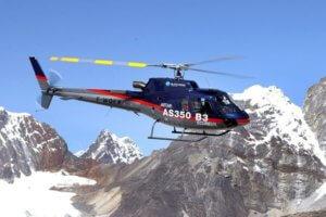 Mit Hubschrauber in 8850 Metern Hšhe auf dem Dach der Welt